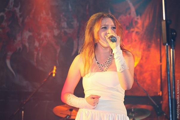 вокалистка группы BellatrikS